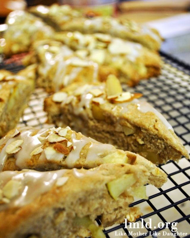 almond apple oatmeal scones 4